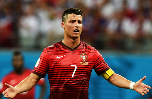 cristiano ronaldo wearing portugal shirt in the 2014 fifa world cup