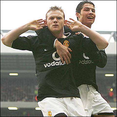 Wayne Rooney and Cristiano Ronaldo celebrating a goal  with Rooney    Wayne Rooney And Cristiano Ronaldo Fight