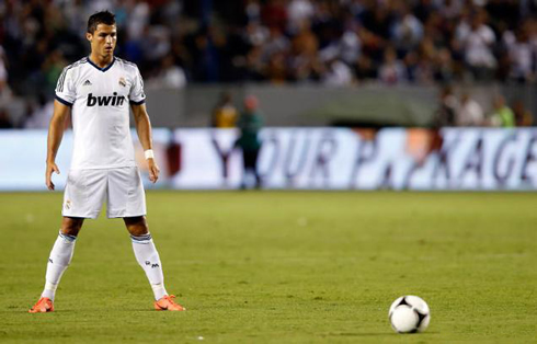 Cristiano Ronaldo Free Kick Stance Back View LA Galaxy vs Real Madr...