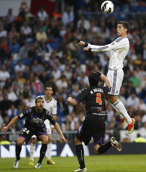 Cristiano Ronaldo S 4 Goals Lead Real Madrid To Win Vs: Real Madrid Vs Valladolid (04-05-2013)