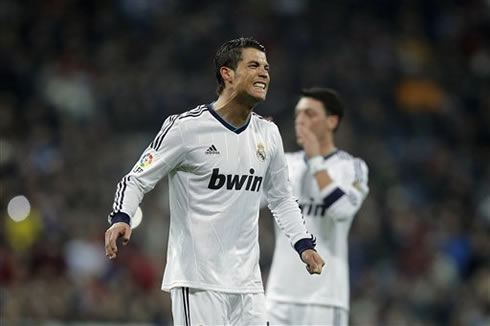 Cristiano Ronaldo clenching his teeth, after being very close to score another goal for Real Madrid, in 2013