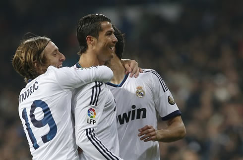 Cristiano Ronaldo goal celebration, being pulled by the neck by Luka Modric, in Real Madrid 2012-2013