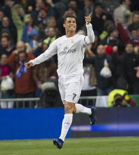 Cristiano Ronaldo S 4 Goals Lead Real Madrid To Win Vs: Real Madrid Vs Wolfsburg (12-04-2016)
