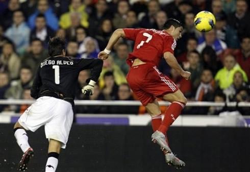 353e336888f Valencia vs Real Madrid (19-11-2011) - Cristiano Ronaldo photos