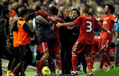 2561f39ba44 ... José Mourinho and Real Madrid players celebrating the winning goal  against Valencia in absolute joy