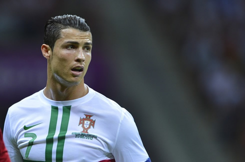 FOOTBALL THESE ARE SOME MOMENTS FROM EURO CUP - Cr7 hairstyle euro 2012