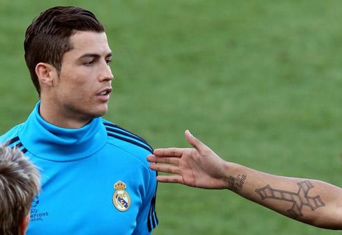 Cristiano Ronaldo New Hairstyle Photos Cristiano Ronaldo New