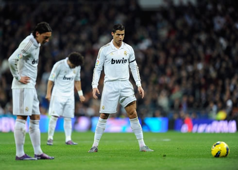Cristiano Ronaldo Free Kick Stance Back View Real Madrid 4-1 Athlet...