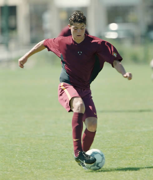 Cristiano Ronaldo with 14, 15 or 16 years old, playing for the Portuguese youth team categories