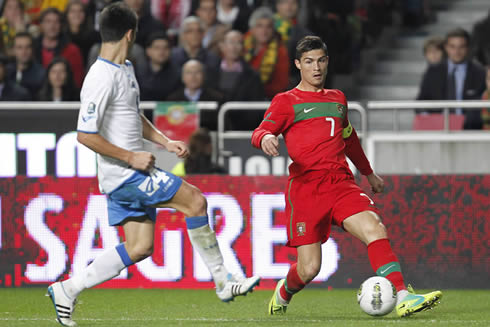 Cristiano Ronaldo passing the ball with his left-foot, during a game for Portugal
