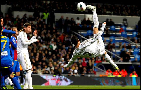 Ronaldo Real Madrid Wallpaper on Real Madrid 4 2 Levante  Ronaldo Hat Trick Puts Barcelona In