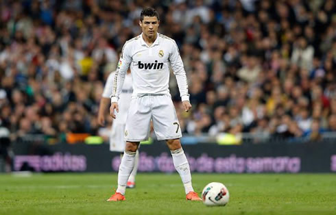 Cristiano Ronaldo Free Kick Stance Back View Real Madrid 0-0 Valenc...