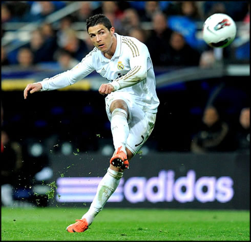 Cristiano Ronaldo could be close to extend his contract with Real ...