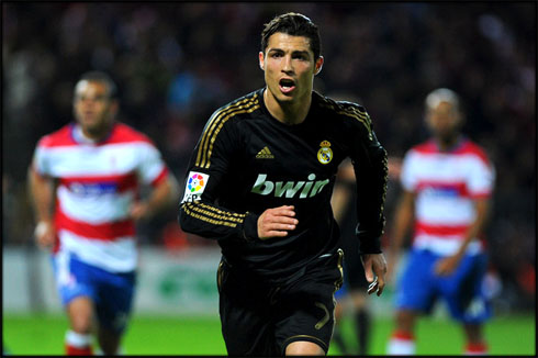 the latest e7b7a a169f Granada 1-2 Real Madrid. Weak team performance and a late ...