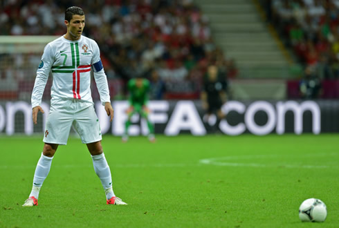 Cristiano Ronaldo Free Kick Stance Back View Portugal 1-0 Czech Rep...