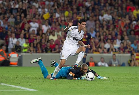 Victor Valdes Mistake Barcelona vs Real Madrid