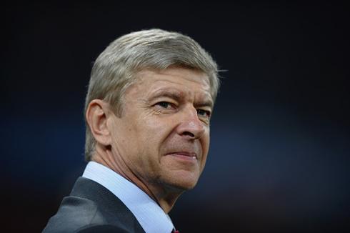 Arsene Wenger hidden smile