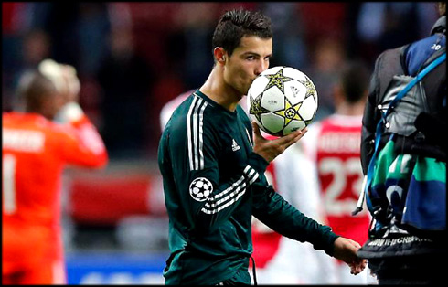 Ronaldo Real Madrid on 03 10 2012    Ajax 1 4 Real Madrid  Ronaldo Shows Off His Class With