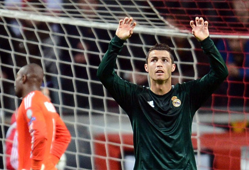 Ajax 1-4 Real Madrid. Ronaldo shows off his class with ...