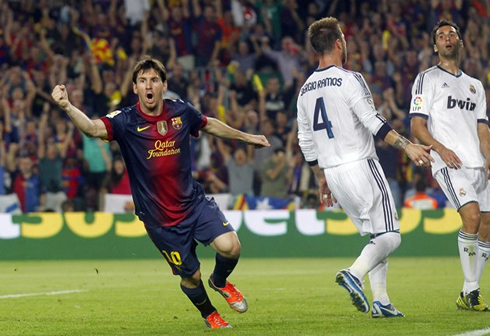 http://www.ronaldo7.net/news/2012/cristiano-ronaldo-567-lionel-messi-scoring-a-goal-in-barcelona-2-2-real-madrid-in-the-spanish-league-2012-2013.jpg