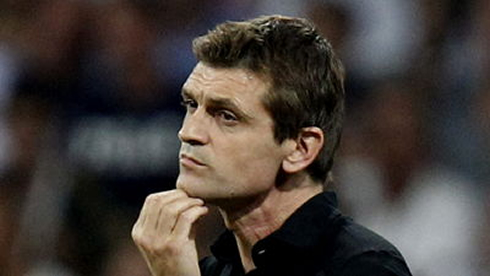 Tito Vilanova scratching his chin as he prepares his game strategy