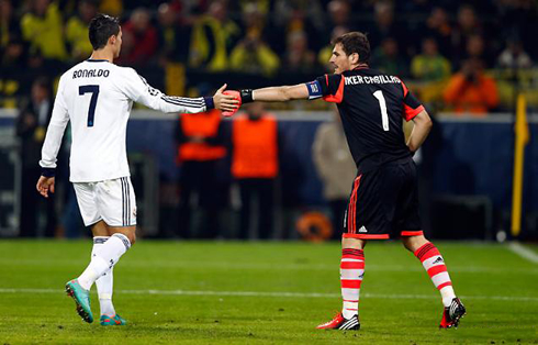 greeting Iker Casillas...