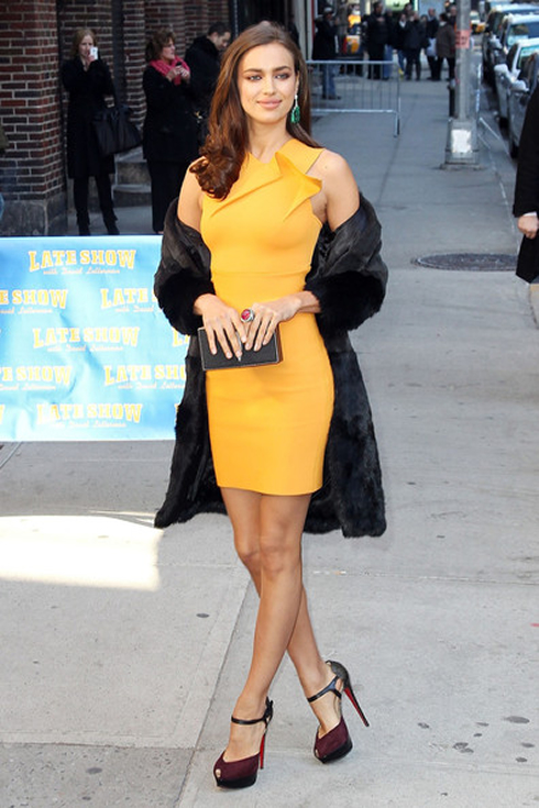 Irina Shayk Showing Her Fashion Style In A Yellow Dress