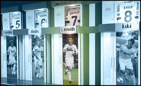 Real Madrid Dressing Room With Fabio Coentrao Khedira Cristiano Ronaldo And Kaka Locker