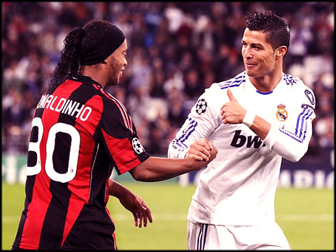 a0b7d4f83 Cristiano Ronaldo greeting Ronaldinho in a Real Madrid vs AC Milan game