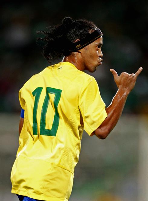 Ronaldinho Cristiano Ronaldo Is Making History But Messi Is The