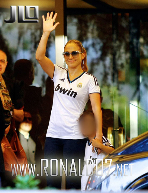 Real madrid celebrity fans of the walking