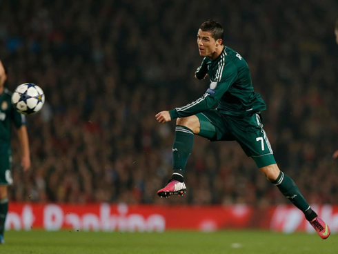 Manchester United 1-2 Real Madrid. Ronaldo goal knocks out ...