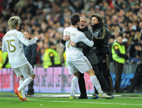 José Mourinho hugging Ronaldo in Real Madrid 2013