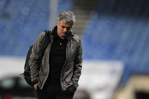 José Mourinho leaving Real Madrid with his head down, in 2013