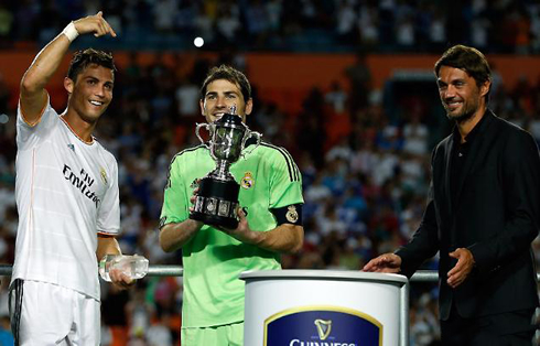 Cristiano Ronaldo pointing to Iker Casillas, Real Madrid 2013