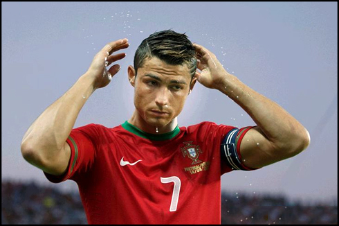 Cristiano Ronaldo fixing his hair