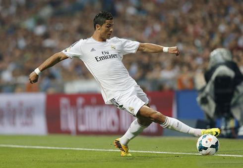 Cristiano Ronaldo controlling the ball in style