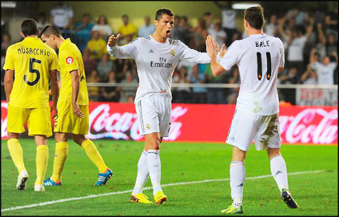 Cristiano Ronaldo celebrates Real Madrid goal with Gareth Bale, in Villarreal 2-2 Real Madrid