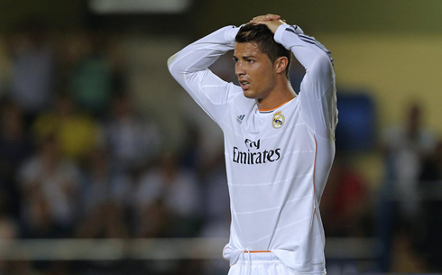 Cristiano Ronaldo looking lost and frustrated, in Villarreal vs Real Madrid