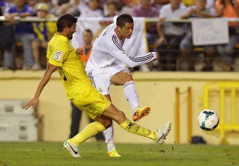 Cristiano Ronaldo right-foot strike, in Villarreal vs Real Madrid, for La Liga 2013-2014