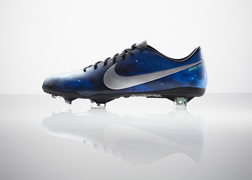 Nike football boots, CR7 Mercurial Vapor IX Galaxy, side view