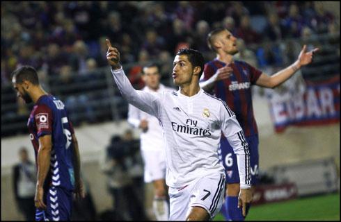 Eibar 0 4 Real Madrid Scoring Machine Cristiano Ronaldo Raising