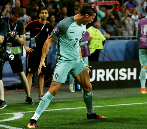 Portugal 2-0 Wales. One step closer to glory!