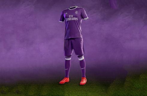 online retailer d8e8d 6ed15 Real Madrid new shirts and kits for 2016-17