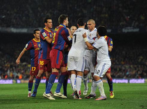 Cristiano Ronaldo Fight Vs Barcelona Players
